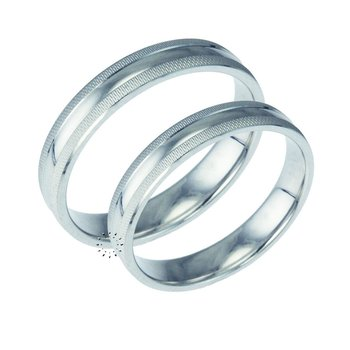 Wedding rings in 9ct