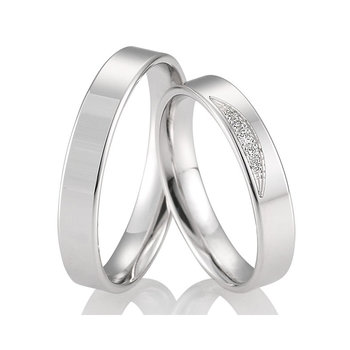 Wedding rings in 8ct