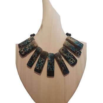 Necklace made of Wood Costas